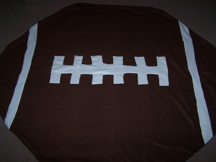 The Beautiful Budget: DIY Football Blanket