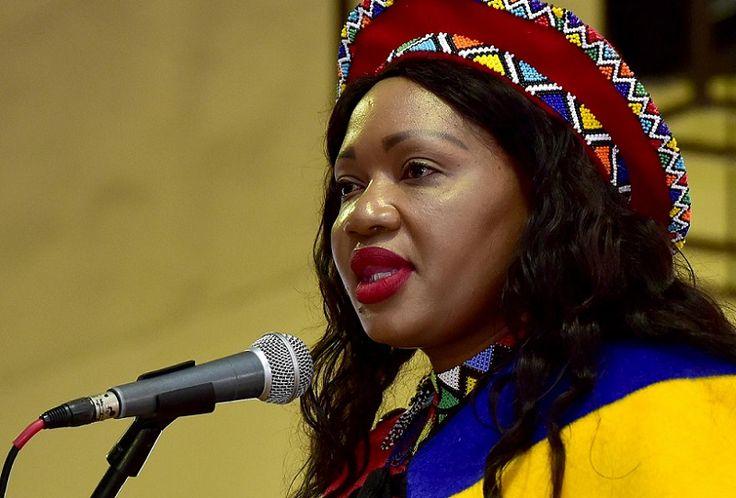 nice Communiqué de presse: Le sous-ministre des Communications se joint à l'équipe de hockey masculin de l'Afrique du Sud pour commémorer la Journée internationale de Mandela
