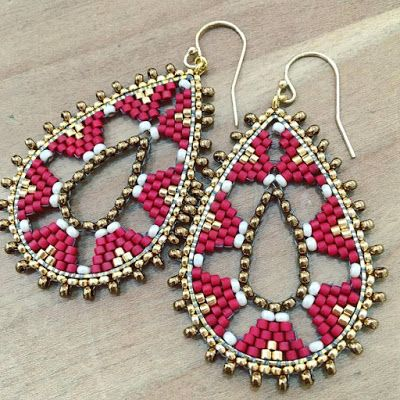 One way with seed beads is to really go all out, using lots and lots for intricate glamour. But the other way is to minimize the amount of seed beads used and still deliver great designs! American be