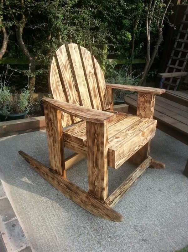 DIY Scorched Pallet Wood Rocking #Chair | 99 Pallets