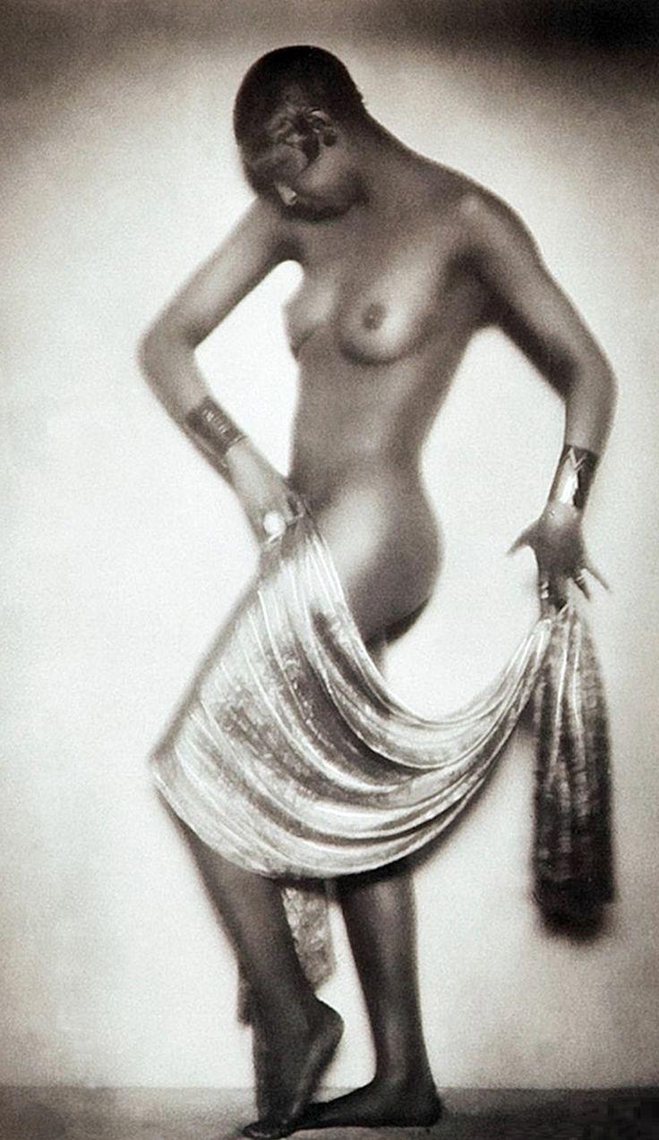 Josephine Baker, 1928, Photo by Madame d'Ora