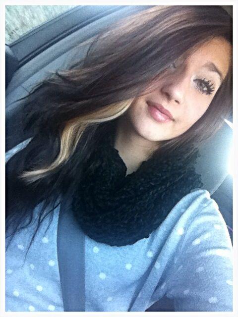 Black with blonde streak wavy hair. Add me on Instagram RoxyLapham