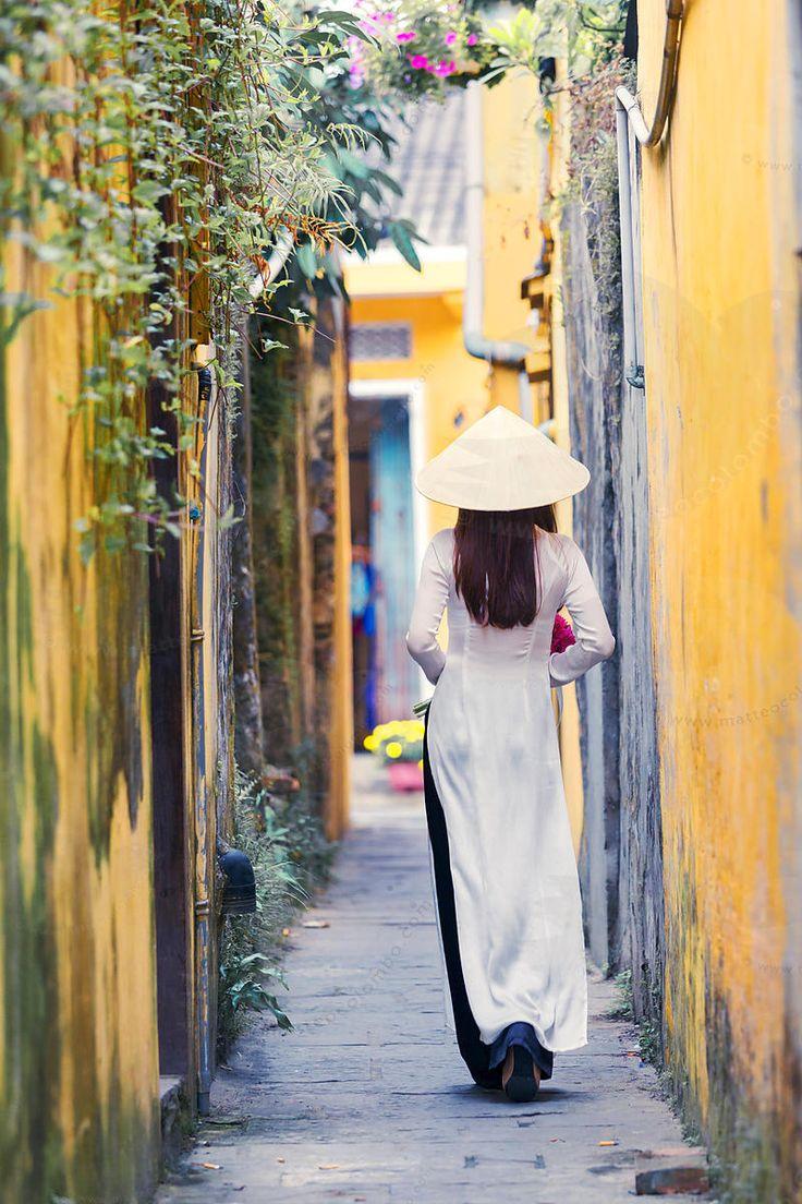 Ao Dai girl, Hoi An, Vietnam