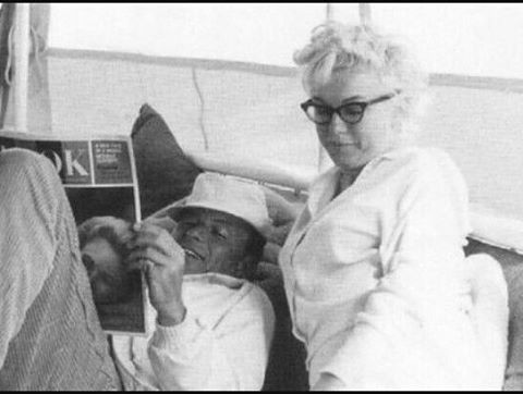 Marilyn Monroe and Frabk Sinatra..This is really so beautiful   #marilynmonroe #clarkgable #audreyhepburn #jamesdean #makeup #smile #laugh #selfie #instagram #monday #man #girl #boy #woman #today #natural #lucilleball #oldhollywood #hair #old #turkey #usa #hair #jeanharlow #italia #roma #istanbul #face #beautiful #fitness #franksinatra