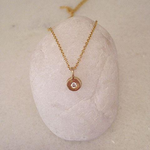 Monsoon Sirocco Pendant w/ diamond 9ct Gold
