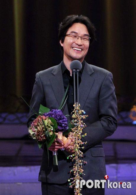 Han Suk Kyu 4