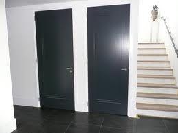 Deuren + beslag Piet Boon. Onderkant deur = hoogte plint. Trap ook heel mooi!!