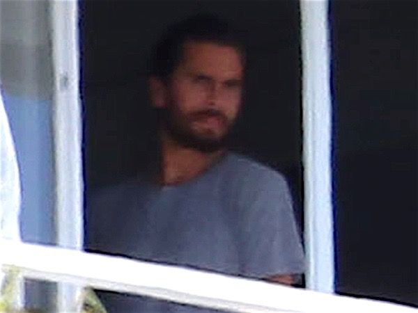 Kourtney Kardashian and Kris Jenner Visiting Scott Disick in Malibu Rehab Leads Today's Star Sightings