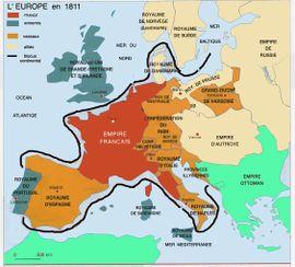 Blocus continental  en 1811, ligne théorique - Napoléon 1° espère ainsi acculer l'Angleterre à la paix, et faire bénéficier l'industrie française de la disparition des marchandises britanniques du marché européen. En 1807, les Anglais décident le blocus de tous les ports français et des pays qui se fermeraient à son commerce, mais accordent des licences aux bateaux se soumettant  aux visites anglaises.