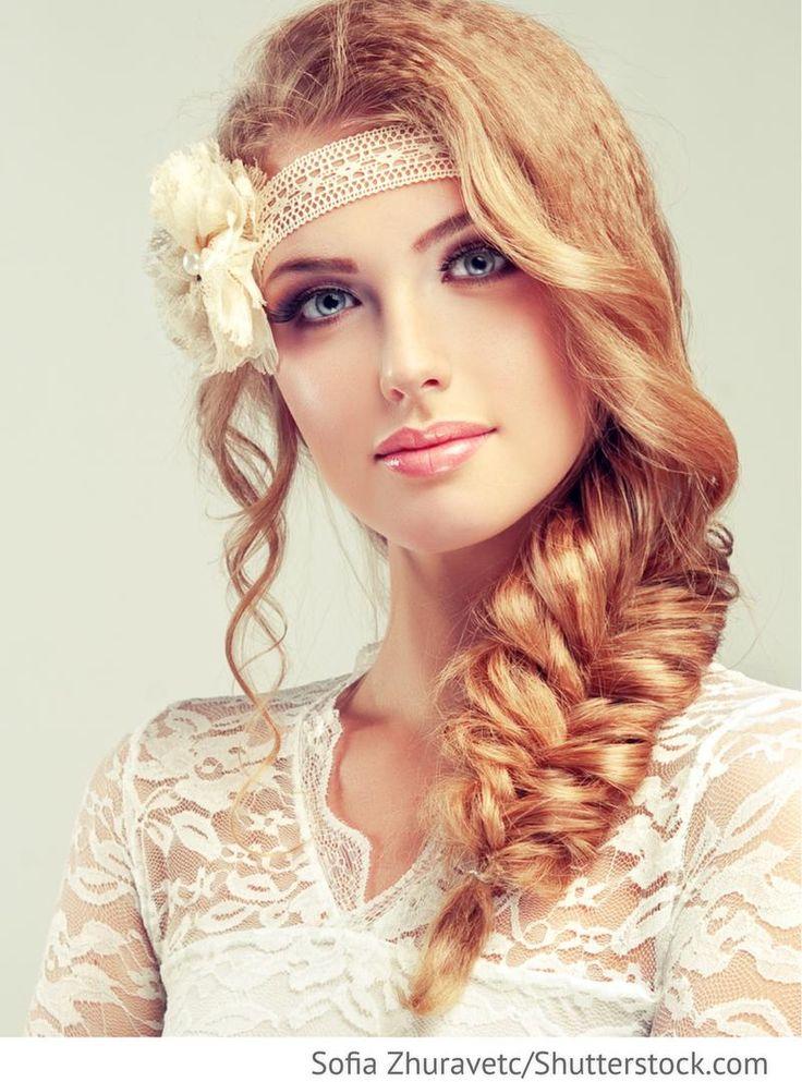 Hochzeitsfrisur Flechtzopf blondes Haar für russische Hochzeiten
