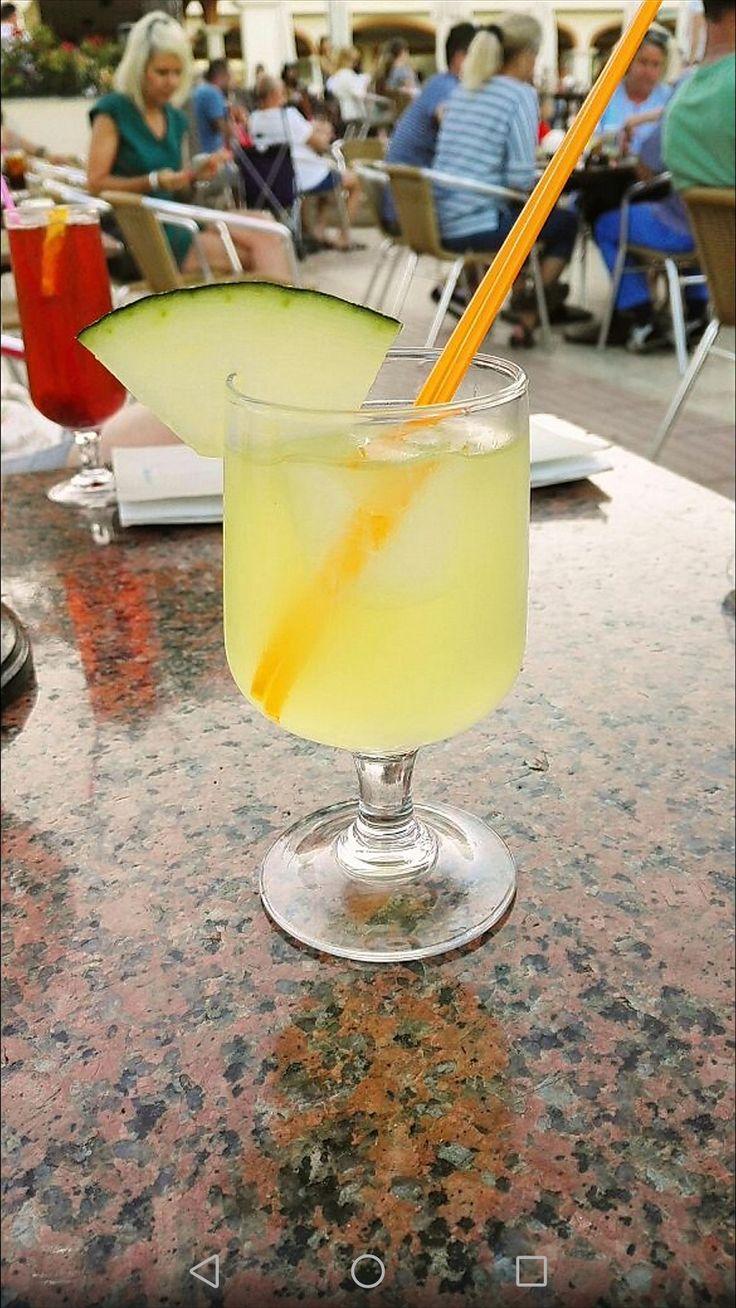 Lecker cocktail pina colada kokosnuss ananas funny Mallorca
