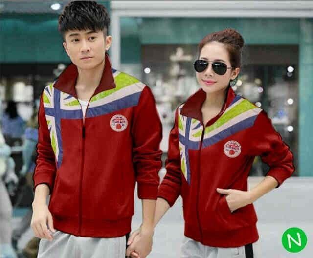 Jaket couple flag merah  Bahan babyterri  Size L untuk pria, fit to M untuk wanita  Ada saku, resleting depan  Panjang jaket : 65 cm  Lebar dada : 102 cm   Harga 135k/pasang
