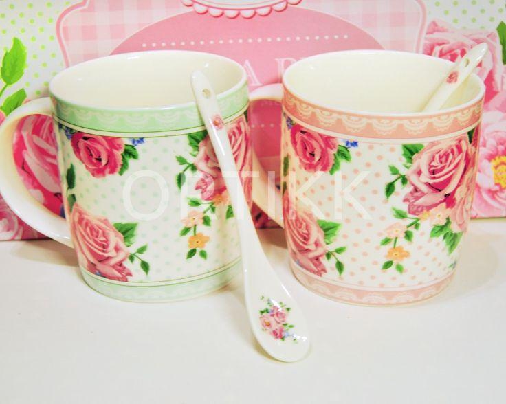 Komplet kubeczków z porcelanowymi łyżeczkami. #ceramika #kubki #cups #rose #róże #porcelana #łyżeczki #shabby #romantic #gift #prezent #ozdoba #dekoracja #ceramic  #lovely #giftidea