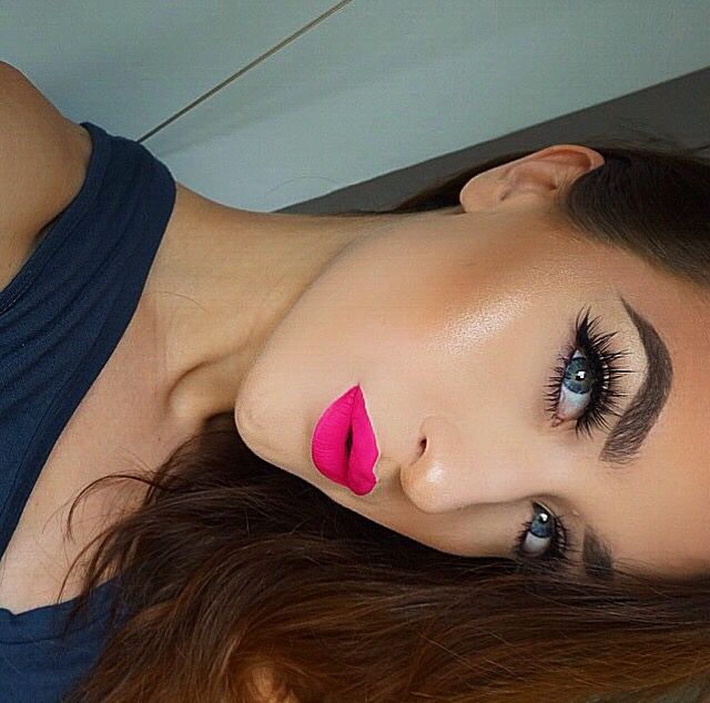 @makeupemalii on Instagram! Bright pink lipstick is Rio by Anastasia Beverly Hills.