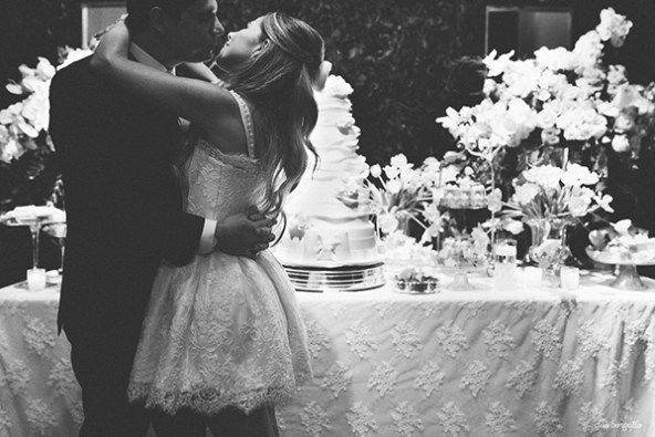 Casais, O noivado de hoje foi lindo demais! Super inspirador – aliás teria sido um mini wedding perfeito também! A Roberta e o Luiz se conheceram há dois anos em uma reunião de negócios. Ela empresária e ele advogado. Ela buscava uma empresa de consultoria jurídica e por indicação de amigos optou pela empresa dele. …