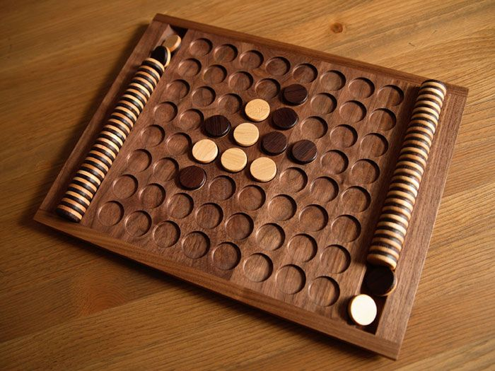 japanese board game similar to the reversi