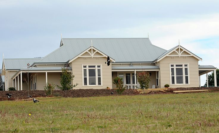 Strathalbyn.  This house is similar to the Harkaway Victorian Homestead elevation.