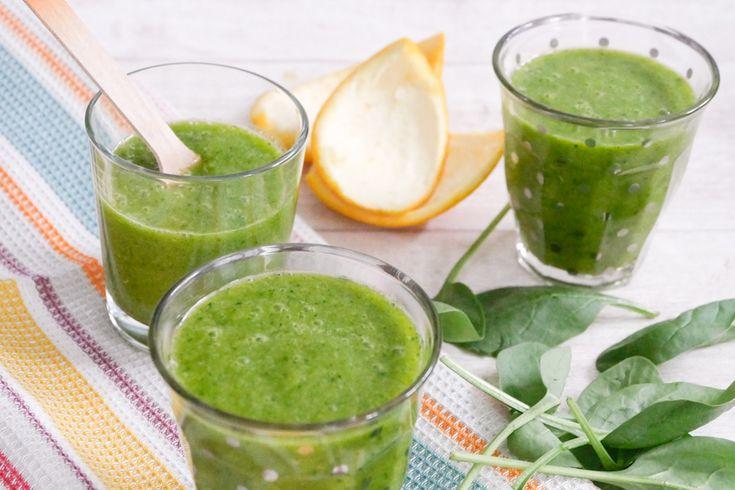 Grüne Smoothies mit Babyspinat mag ich ganz besonders. Sie schmecken nicht nur super erfrischend sondern sind ganz nebenbei auch total gesund.