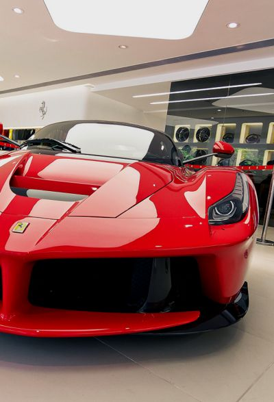 Ferrari LaFerrari. See more #sports #car at www.freecomputerdesktopwallpaper.com/wcarsten.shtml