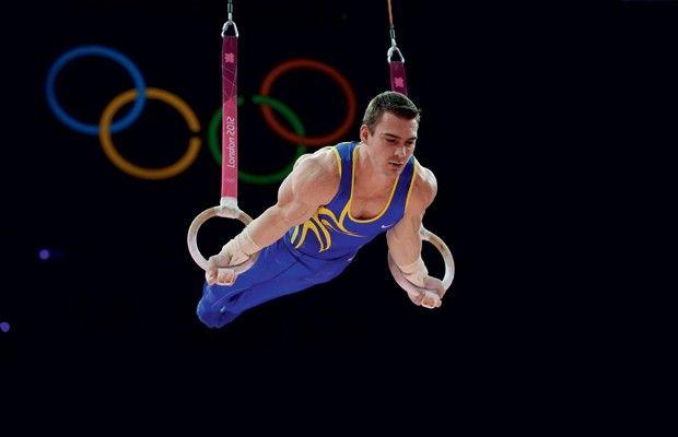Medalha de ouro em Londres, Arthur Zanetti dá a receita para bíceps desenvolvidos