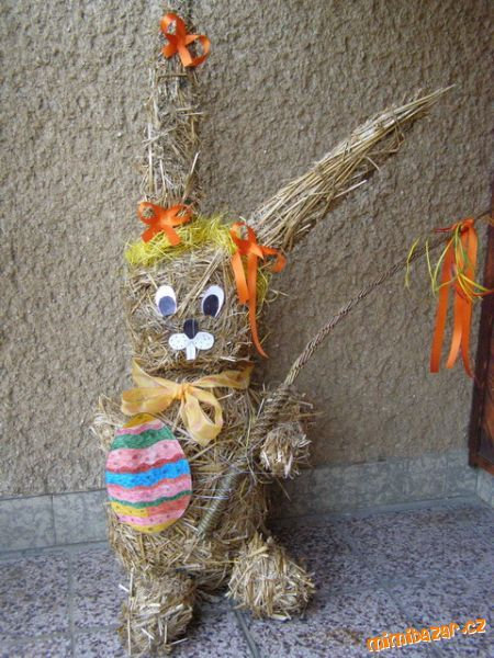 Velikonoční zajíček ze slámy