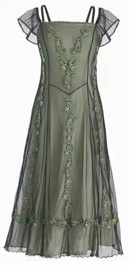 Wedding Bliss Simple Understated Wedding Nuptials| Serafini Amelia| Style Inspiration-Celtic wedding dress