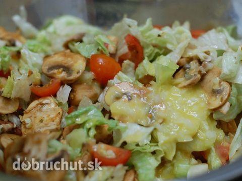 Zeleninový šalát s čerstvými šampiňónmi