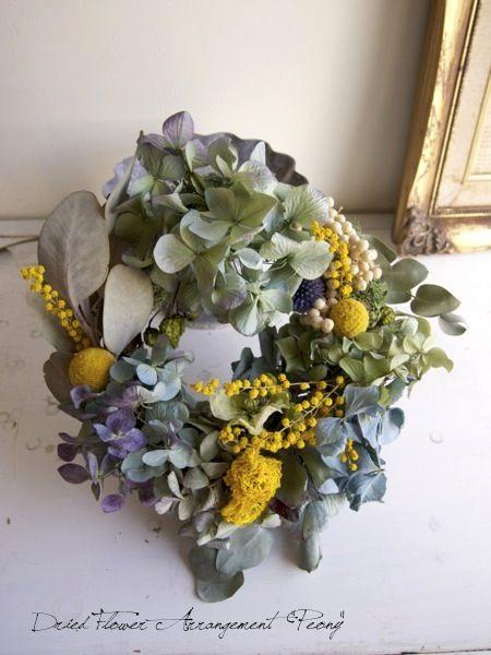 ラナンキュラスとミモザのリース - ドライフラワーリース/ウェルカムボード/ ウェルカムリース  Dried Flower Arrangement ''Peony'' ピオニー