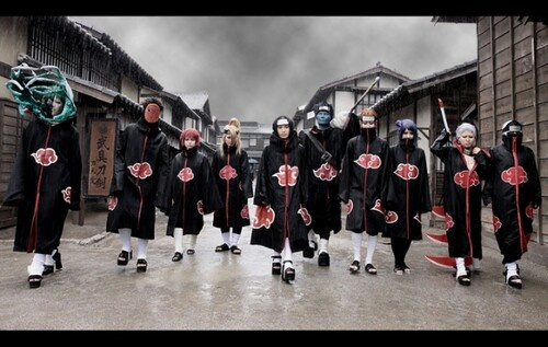 Naruto Akatsuki Cosplay. They kind of look like a street gang in this picture xD