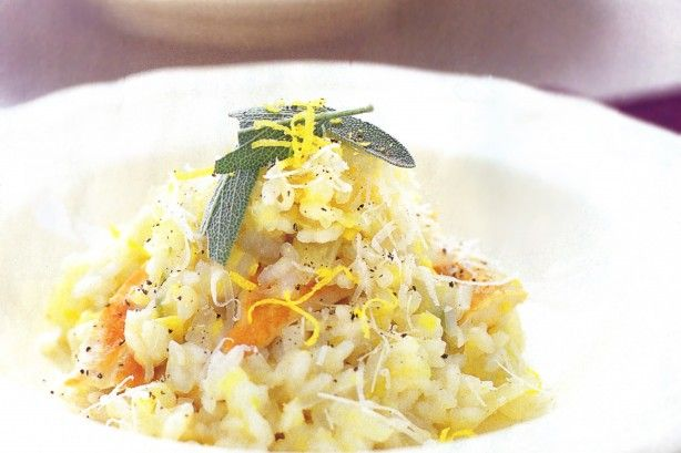 Risotto is a versatile dish which can be made with many different ingredients. This one uses chicken, leek and fennel for a healthy and low-fat meal.