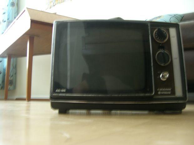 Make A CRT TV Into an Oscilloscope