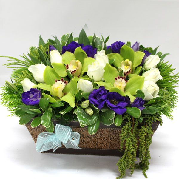 If you are planning to send congratulations flowers in Singapore to wish your friends, Grand opening flowers at wonderful flora offers quality congratulations flowers in Singapore.