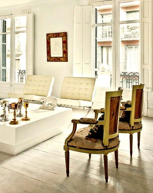 white french and designModern Home Design, Home Interiors, Living Room Design, Design Interiors, Interiors Design, Painting Colors, French Antiques, Design Home, Decor Blog
