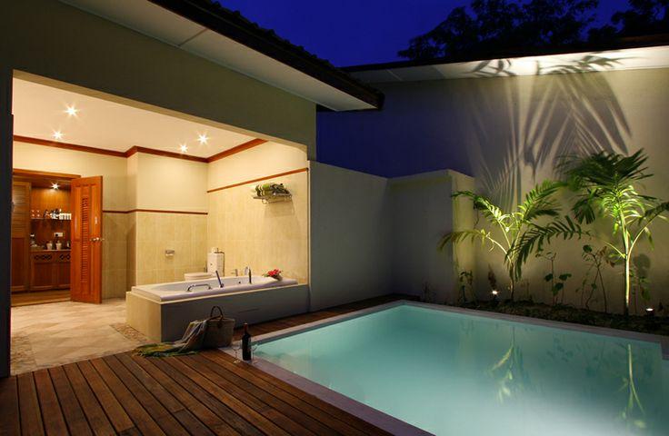 | Kurumba Maldives - Easily accessible 5 star Maldives resort.