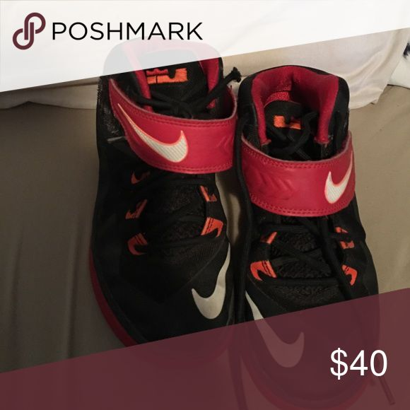 Boys Lebron James size 2y Red and black lebron James basketball Nike Shoes Sneakers