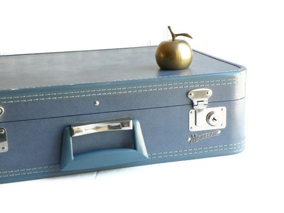 60 best Decor- Vintage Suitcases images on Pinterest | Vintage ...