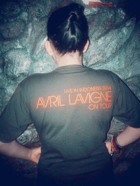 DATANG KE INDONESIA! !!! :) i like it avril lavigne u song all.