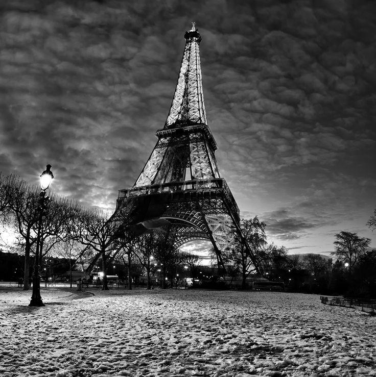 La Tour Eifel by Michel De Backer, via 500px: Favorite Places, Amazing Photography, Eiffel Towers, Art, Paris France, Black White, Black And White Photography, Photography