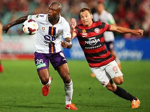 Gallas playing for Perth Glory