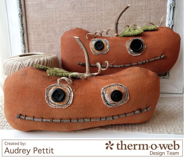 How cute are these primitive pumpkins made with Crossroads Denim by Amy Barickman? See the tutorial here!