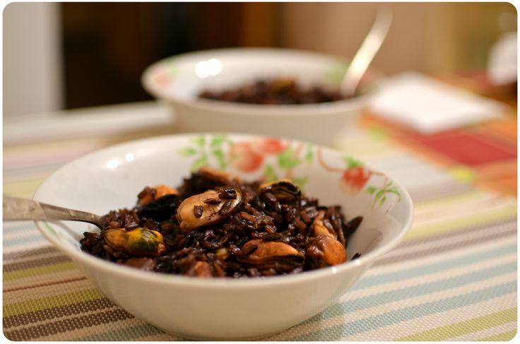Чёрный рис с мидиями