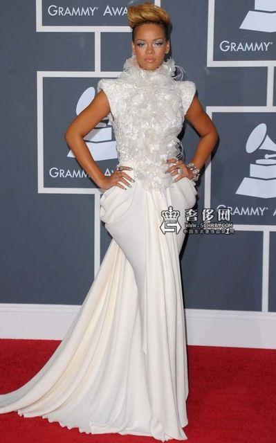2017 Rihanna Grammys Celebrity Dresses Sheath High Collar Cap Sleeves White Flowers Satin Long Red Carpet Dresses