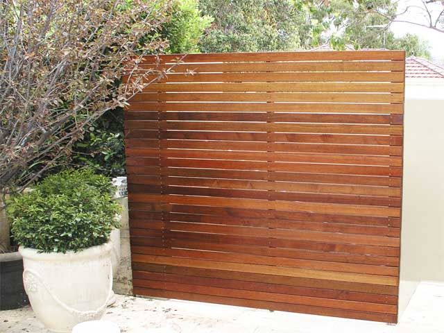 Pictures of timber decks screens fences canny living for Living screen fence