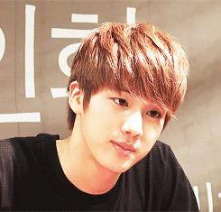 Jin: t'as vraiment de la chance d'être mignonne