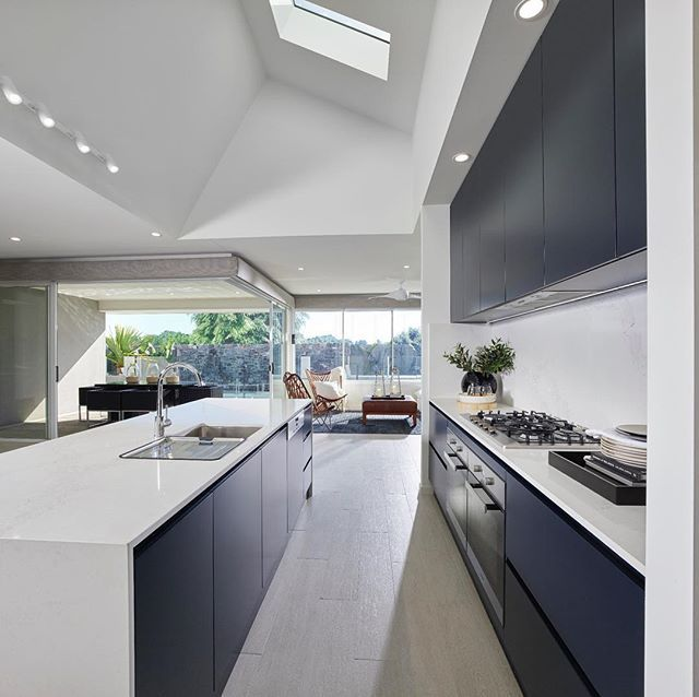 Primo Facade Stylemaster: Stylemaster's Stunning New French Navy And White Kitchen