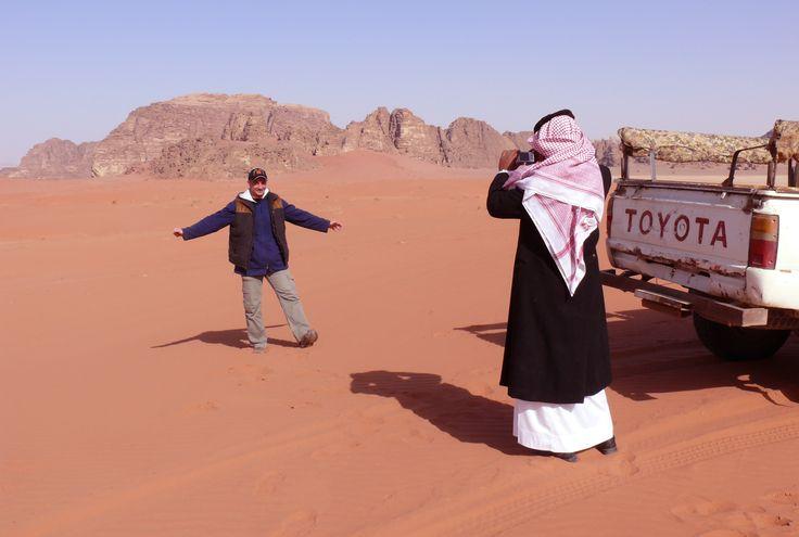 Foto de recuerdo en el desierto.