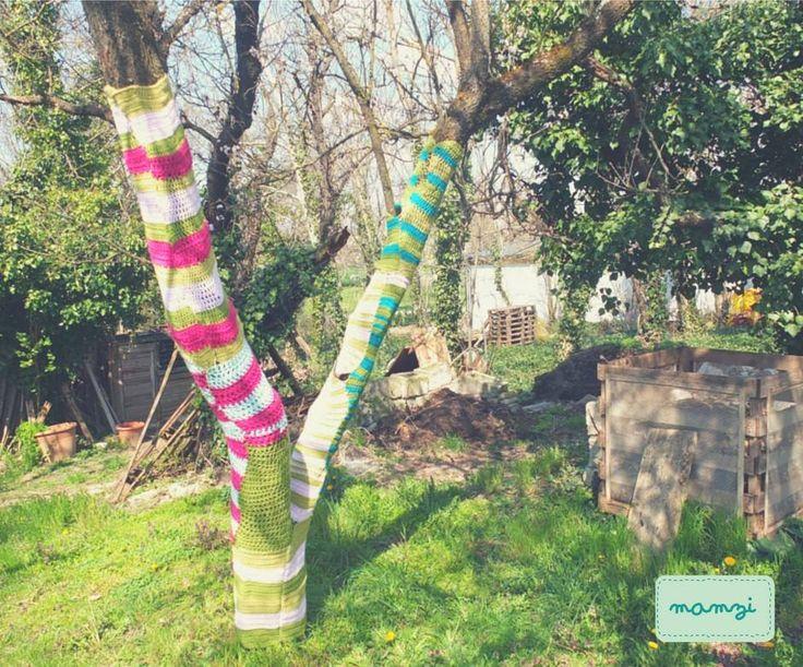 crochet tree project, yarn bomb https://www.etsy.com/your/shops/MamziGrannyChic
