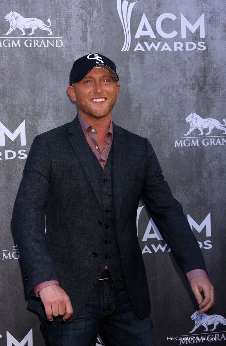 Cole Swindell has quite a few tour dates this year. Get the scoop on tour cities, dates and tickets at HerCountryMusic.com