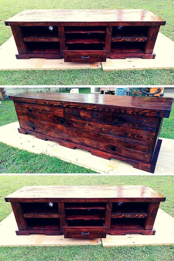 25 best ideas about pallet entertainment centers on for Diy pallet tv stand instructions