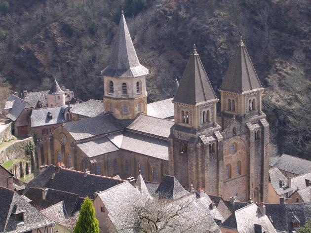 Igreja da Santa Fé - Conques Espanha  arquitetura Românica  ou abadia de Sainte-Foy em Conques (1030-1080)